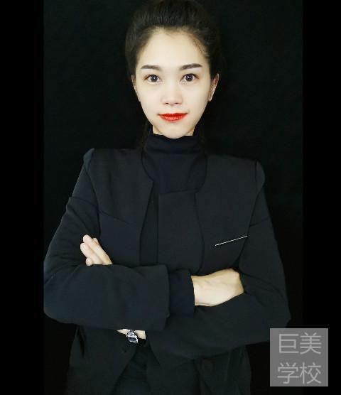 成都巨美美容学校的高科美容培训讲师朱老师