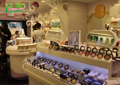学化妆开店