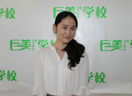 成都美容学校的美容导师毕业生闫岭东