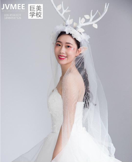 鹿角精灵新娘