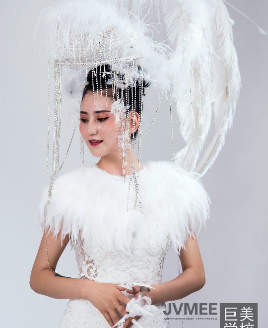 九尾狐创意新娘妆