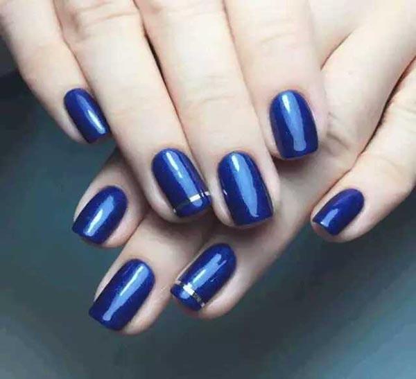 蓝色系美甲