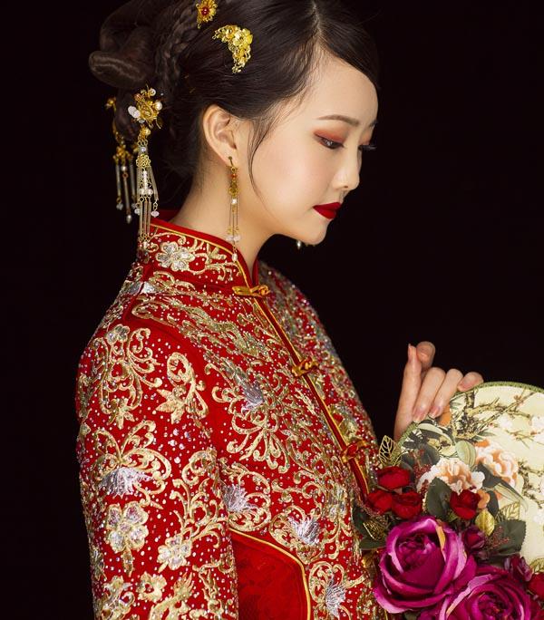 学化妆新娘好赚吗