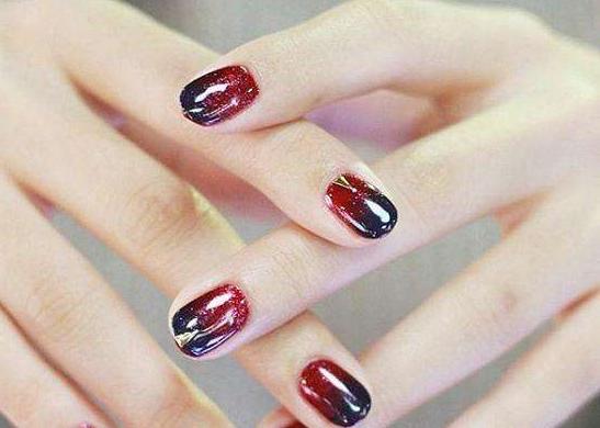 做光疗指甲会痛吗,如何才能让光疗指甲油附着的时间更持久? ...
