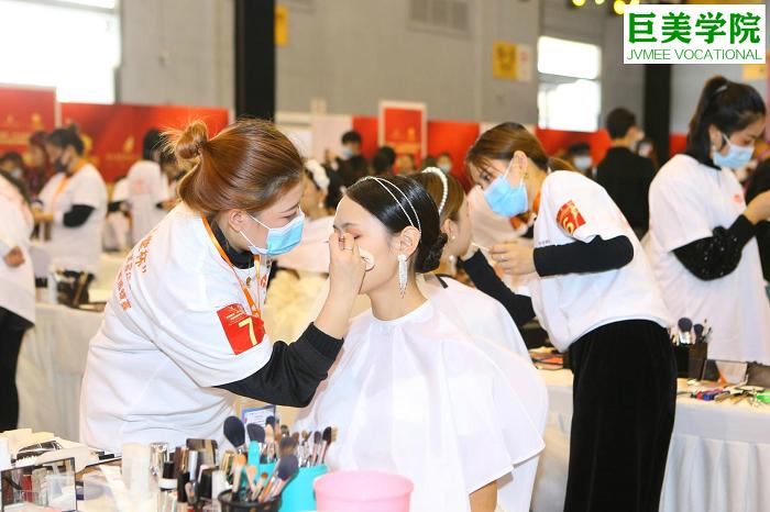年龄大了学化妆最难的是什么