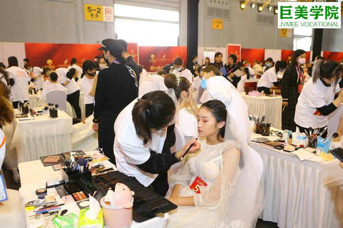 多少岁学化妆可以成为化妆师