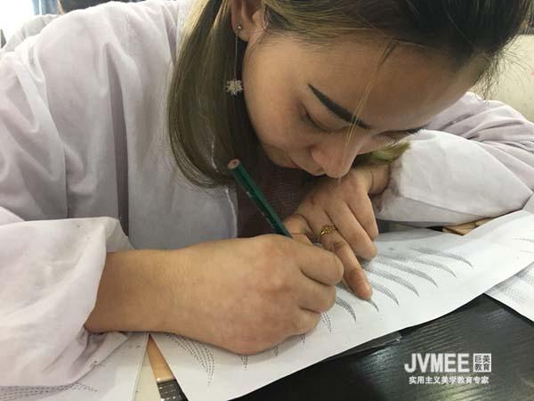 初中学历学纹绣去哪里学